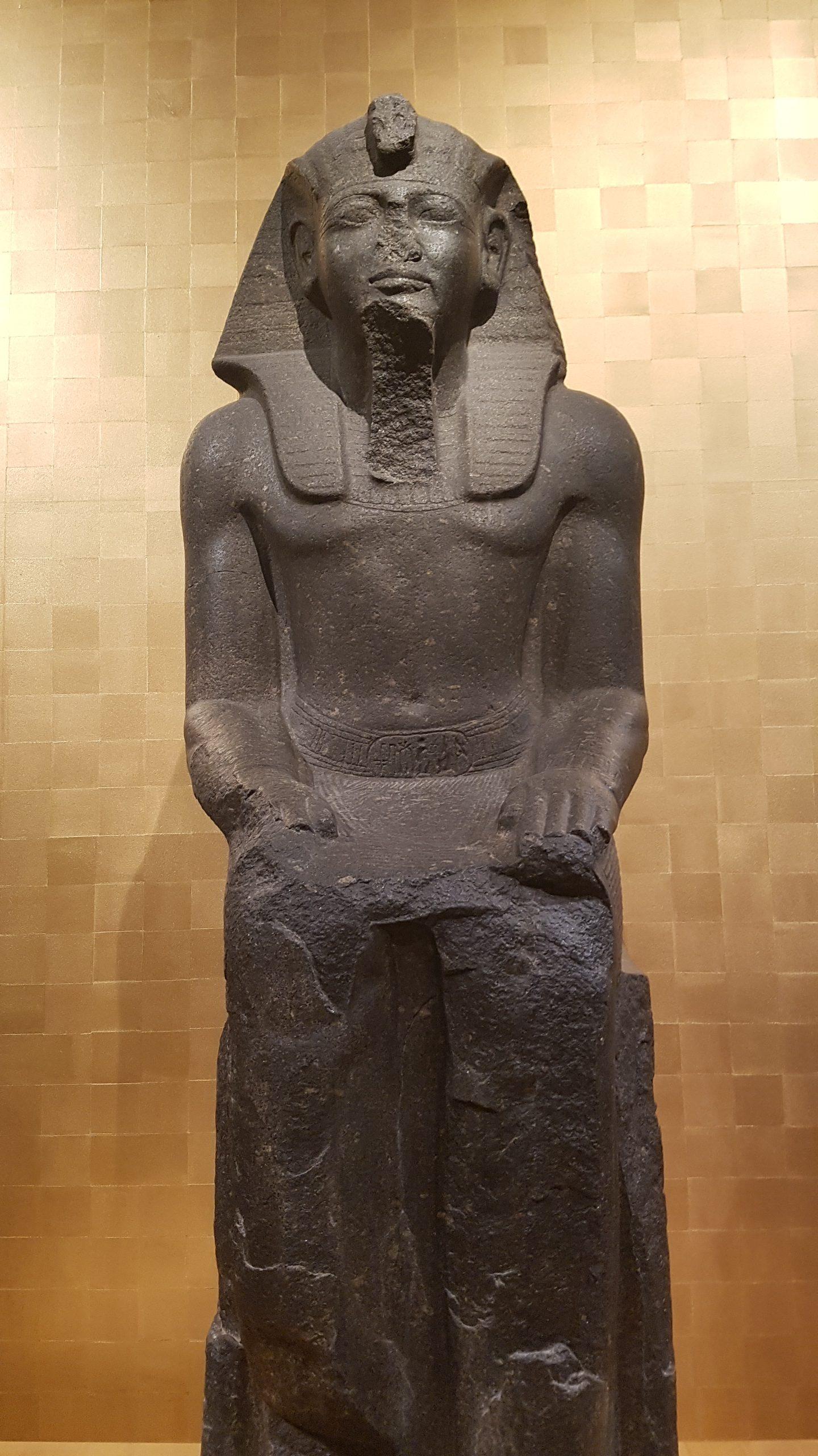 Sitzfigur Ramses II.